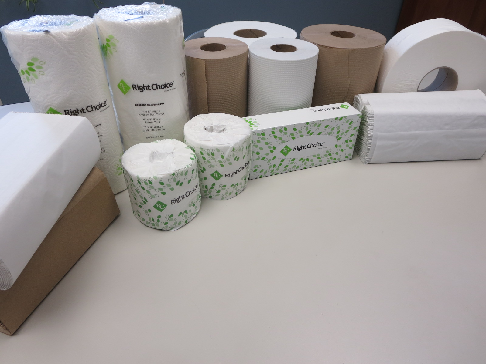 Right Choice™ Commercial Paper Wiping Products