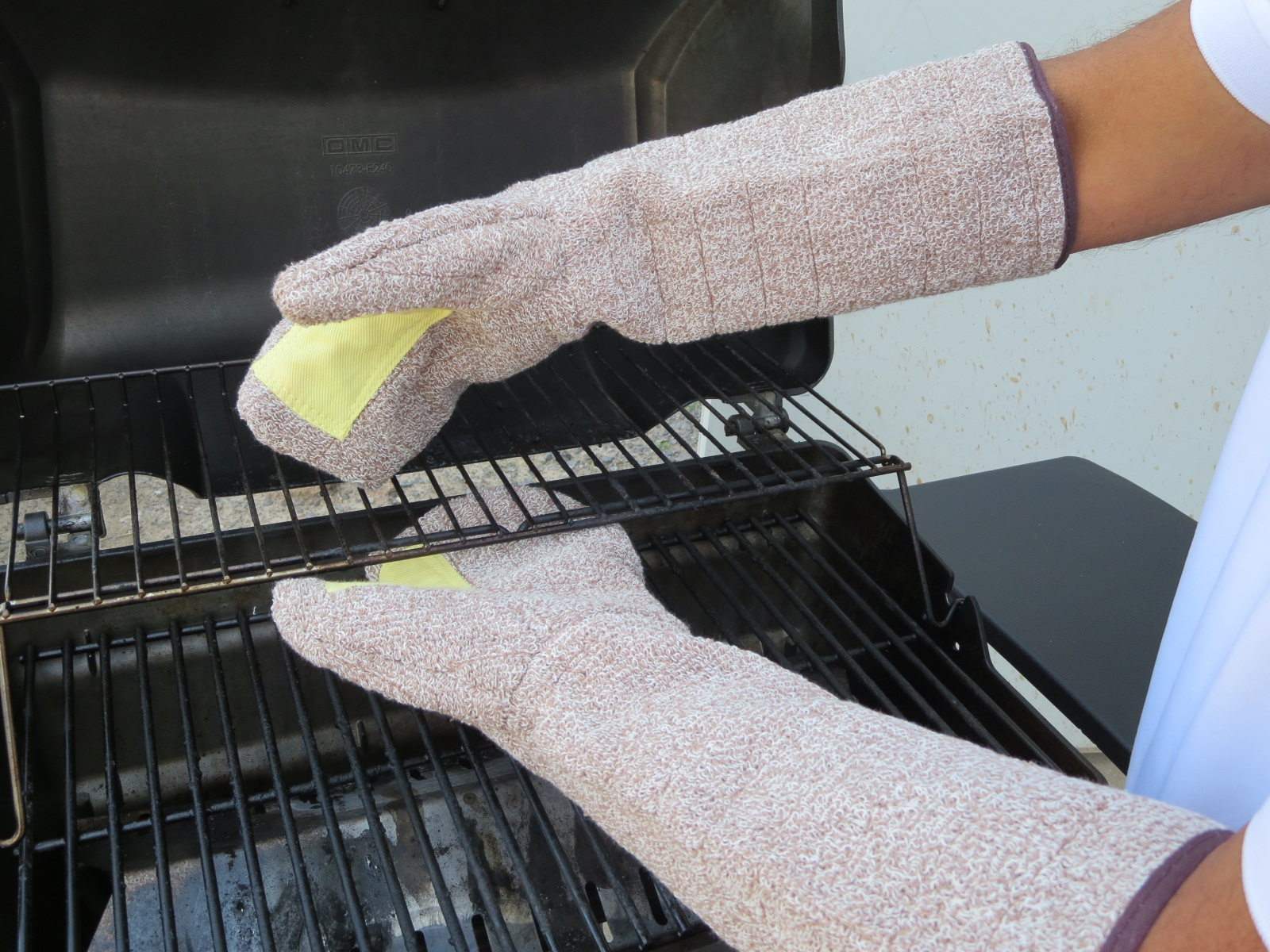 #TBM - Superior Glove® 17` Heavy-Duty Terry Cloth Bakers Mitts