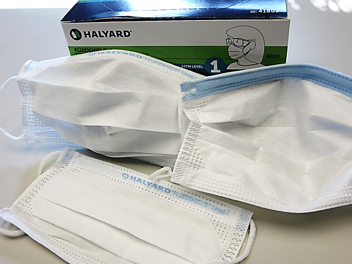 41802 Halyard® Fluidshield® ASTM Level 1 Fog-Free Pleated Procedure Masks w/ So-Soft Technology