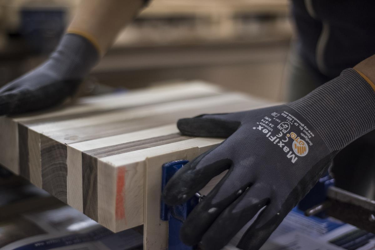 ATG® Series | MaxiFlex® Ultimate™ MicroFoam Nitrile Grip Gloves