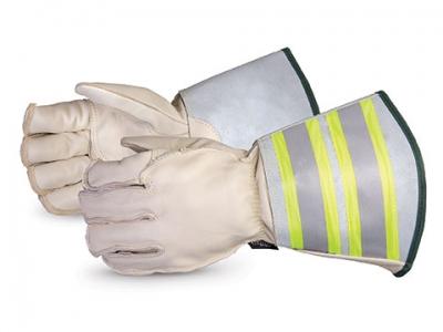 Football Equipment Gloves Lineman Gloves   Eastbay.com